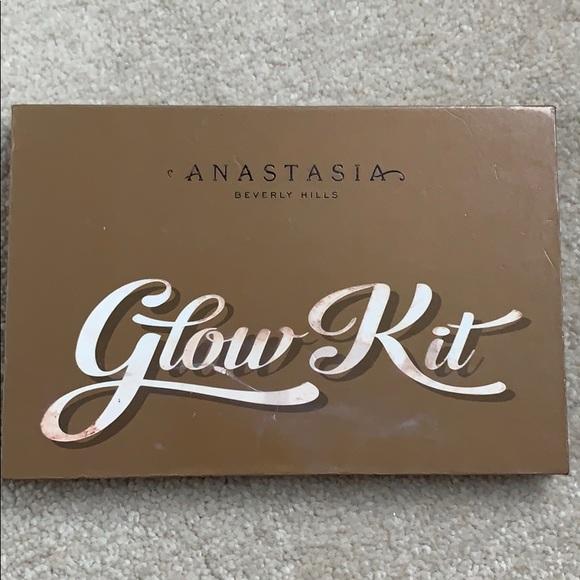 Anastasia Beverly Hills Other - Anastasia Beverly Hills Glow kit